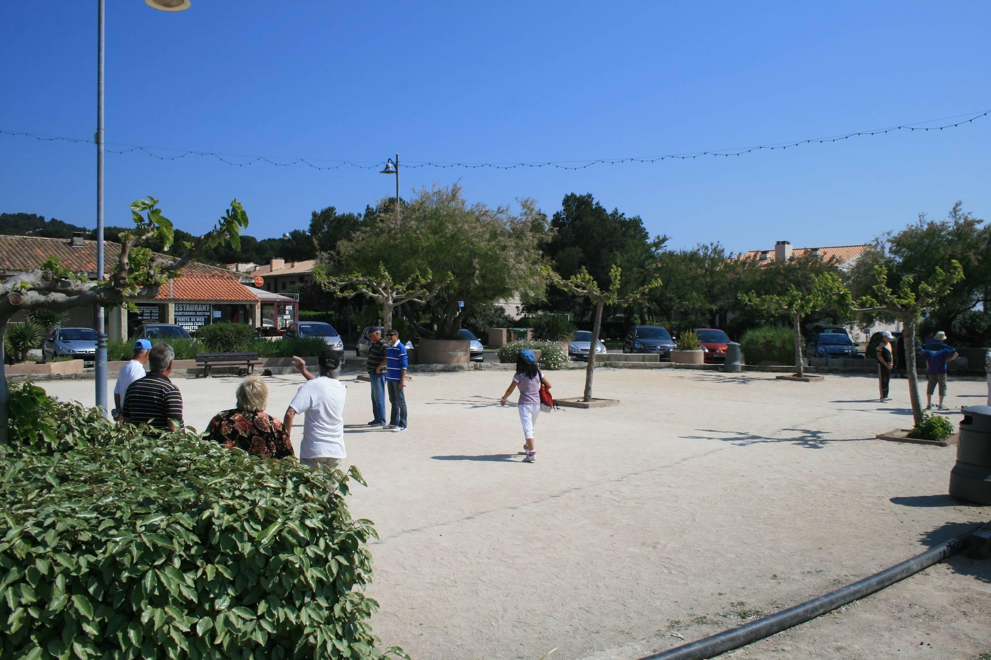 Place du Marégau - Le Pin Rolland